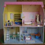 Превращаем картонные коробки в детскую радость: кукольный домик своими руками