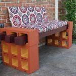 Как всего за час сделать удобную скамейку из шлакоблоков