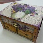 3 способа обновить старый деревянный столик