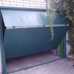 Как изготовить складные ворота для гаража