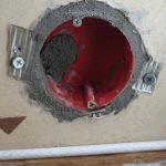 Как быстро сделать отверстие в стене под розетку