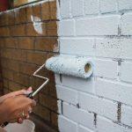 Как дешево и легко обновить внешний вид кирпича с помощью краски