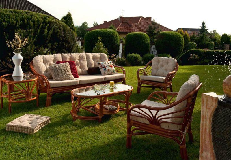 Особенности плетеной и деревянной мебели для сада