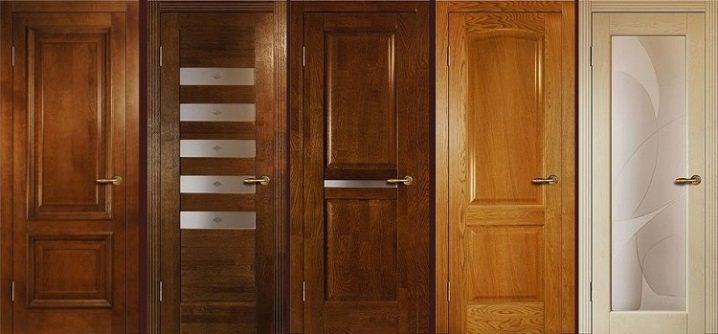Чем хороши межкомнатные двери из массива дуба?